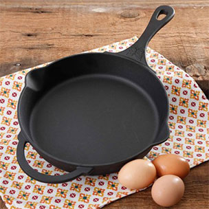 Cast Iron Skillet & Pans