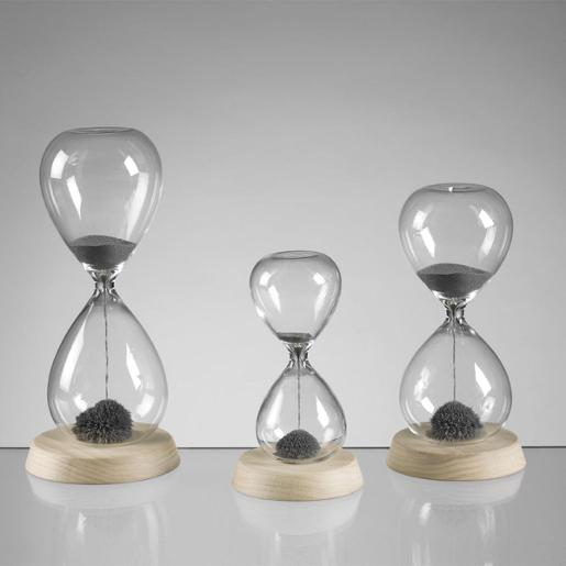 20 Seconds Hourglasses With White Washed Wooden Base And Magnetic Sand